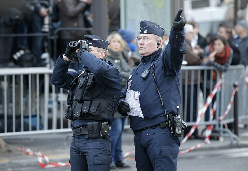 Для обеспечения безопасности во время марша были мобилизованы 5,5 тысяч полицейских, жандармов и военнослужащих