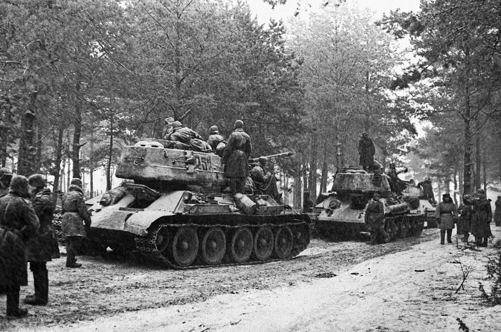 Восточная Пруссия. Советские танки перед наступлением