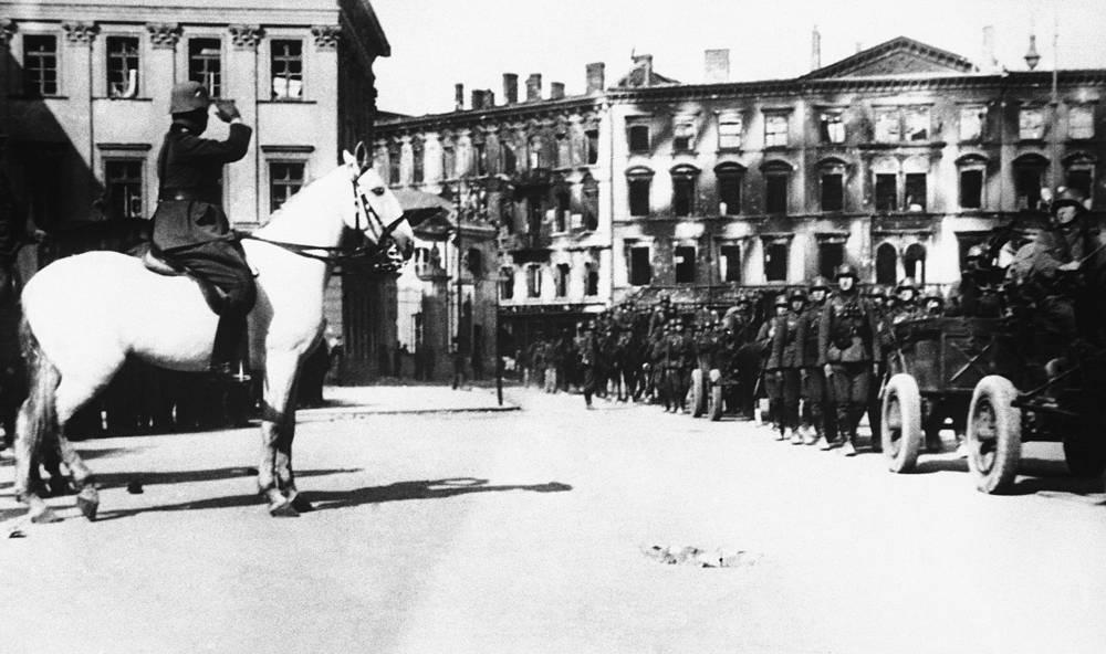 Немецкие войска в Варшаве, 2 октября 1939 года