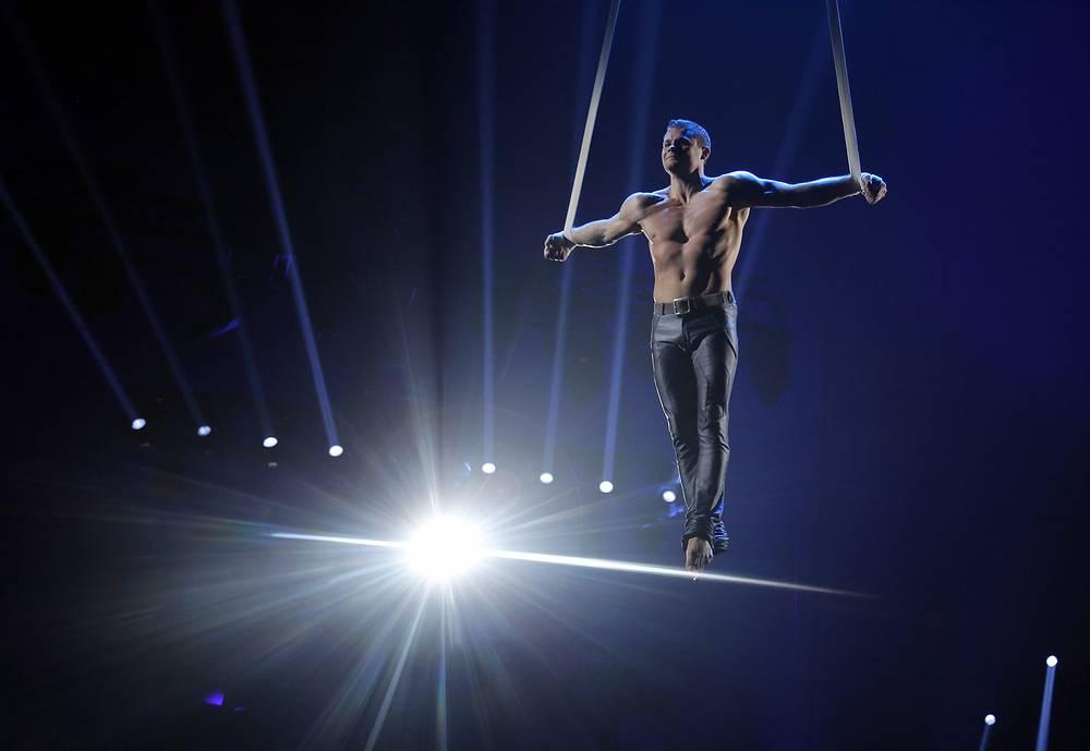 25 января в Монте-Карло завершился 39-й Международный цирковой фестиваль. На фото: участник дуэта Silver Stones