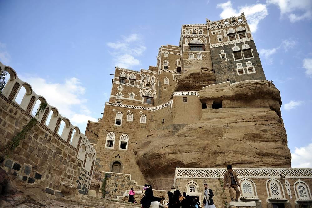 Замок имама в долине Дахр. В 1930 году правитель Йемена Яхья Хамид использовал дворец в качестве летней резиденции