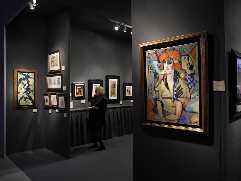 "Картина Поля Жюстенса ""Поло""  (справа) в экспозиции галереи Harold t'Kint de Rodenbeke"