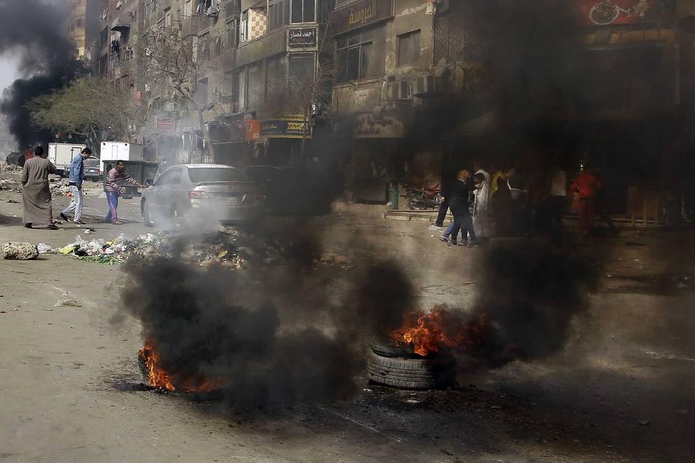 Наиболее ожесточенные столкновения произошли в столичном пригороде Эль-Матарии (на фото).