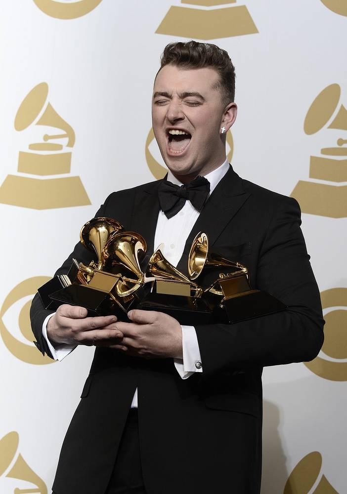 """Сам Смит стал обладателем трех наград из так называемой """"большой четверки"""" номинаций, считающихся наиболее престижными на конкурсе. Это - """"Запись года"""", """"Альбом года"""", """"Песня года"""" и """"Лучший новый исполнитель"""""""