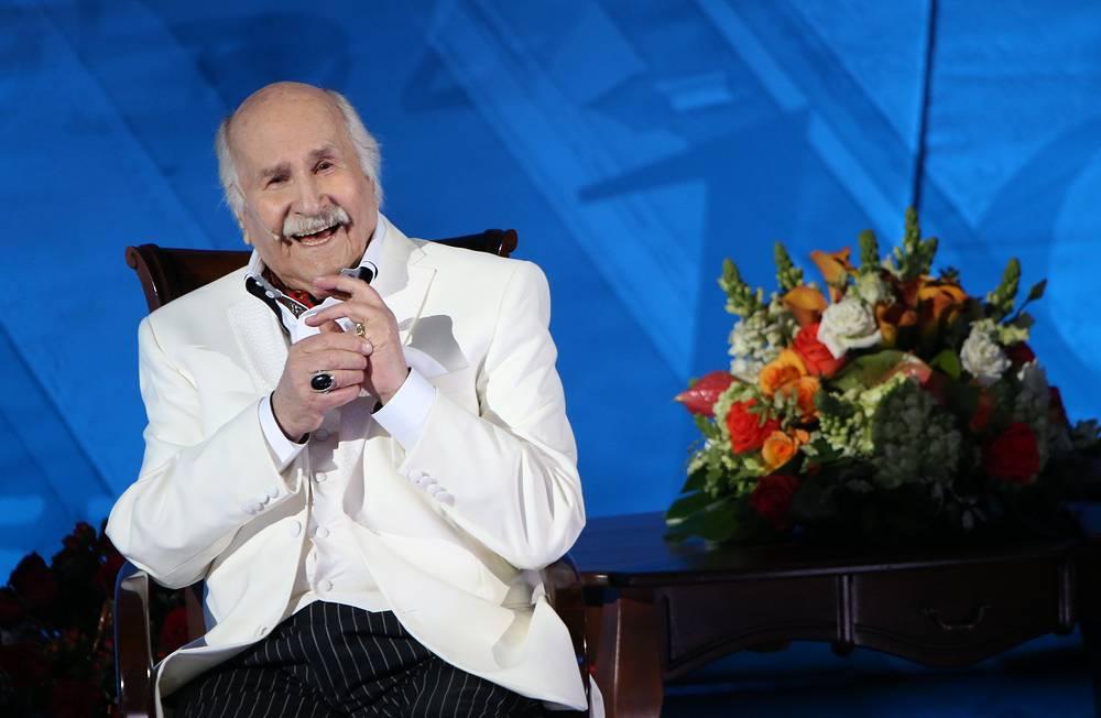 10 февраля актеру театра и кино, народному артисту СССР Владимиру Зельдину исполнилось 100 лет. На фото: во время творческого вечера в Центральном академическом театре Российской армии