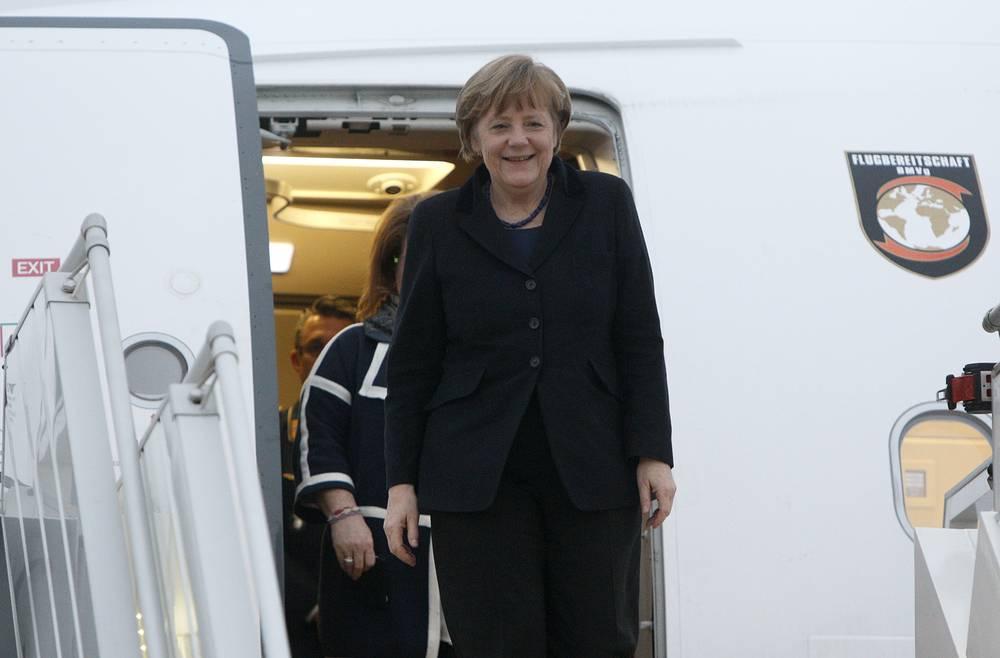 """Канцлер ФРГ Ангела Меркель прибыла на встречу """"нормандской четверки"""""""