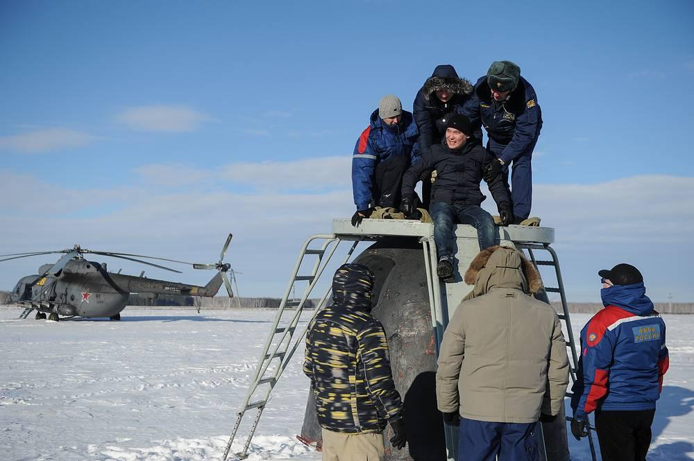 Тренировка по оказанию помощи космонавтам