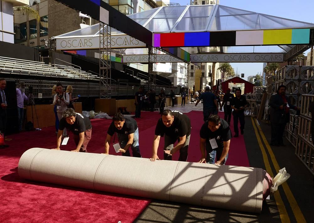 Учредителем премии является Академия кинематографических искусств и наук (Academy of Motion Picture Arts and Sciences (AMPAS)