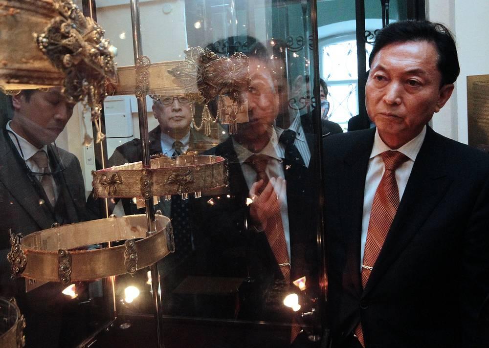 Бывший премьер-министр Японии Юкио Хатояма, вопреки предупреждениям официального Токио, побывал в Крыму 10-12 марта. По итогам этой поездки он заявил, что убежден в демократическом и свободном характере волеизъявления жителей полуострова, которые в марте 2014 года проголосовали за воссоединение с Россией