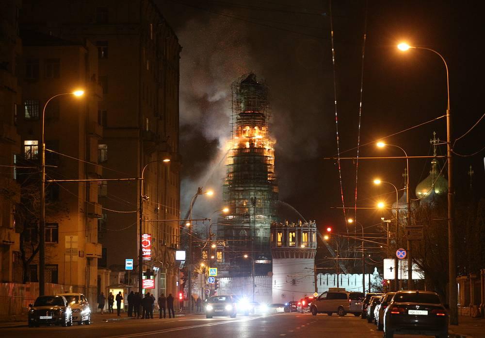 Для борьбы с огнем были задействованы более 113 пожарных и спасателей