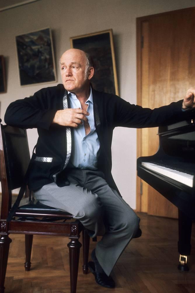 Народный артист СССР, лауреат Ленинской премии и премии Роберта Шумана (ГДР) Святослав Рихтер за роялем, 1973 год