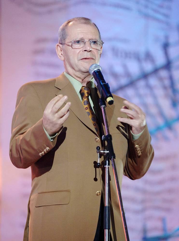 Сатирик Аркадий Арканов во время концерта в честь 75-летия писателя Владимира Войновича, 2007 год