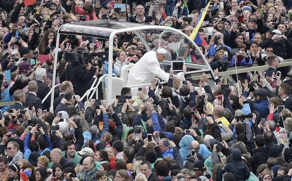 5 апреля Папа Римский Франциск поздравил католиков всего мира с праздником Воскресения Христова
