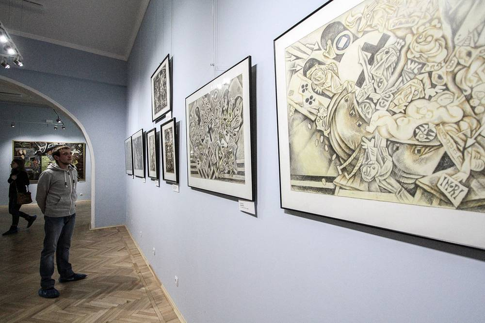 """Графика Виталия Воловича на выставке """"Художник. Власть. Время"""""""