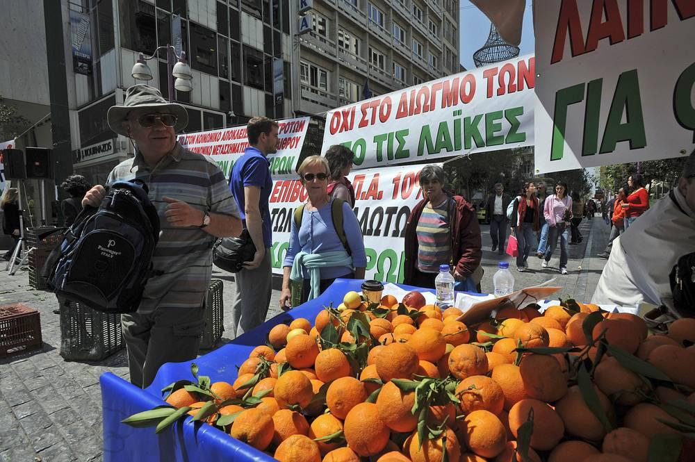 По официальным данным, 41,5% экспорта Греции в Россию приходилось на продукцию аграрного сектора