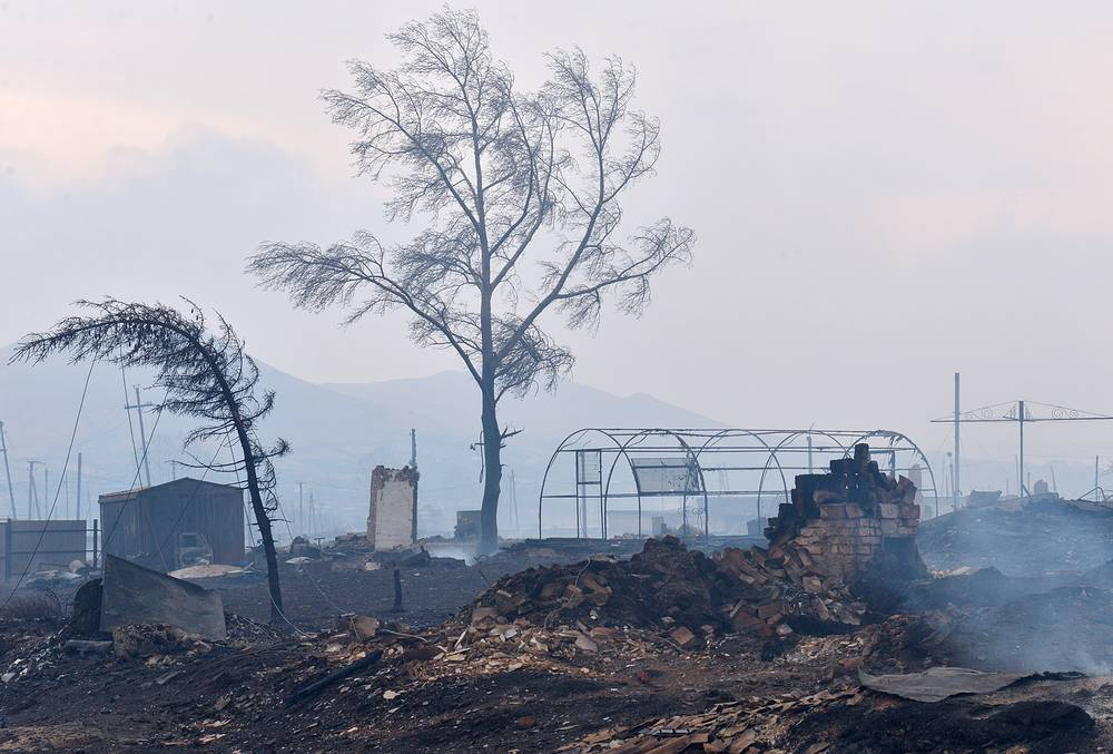 Сгорело более 1 200 домов, в регионе ввели режим ЧС