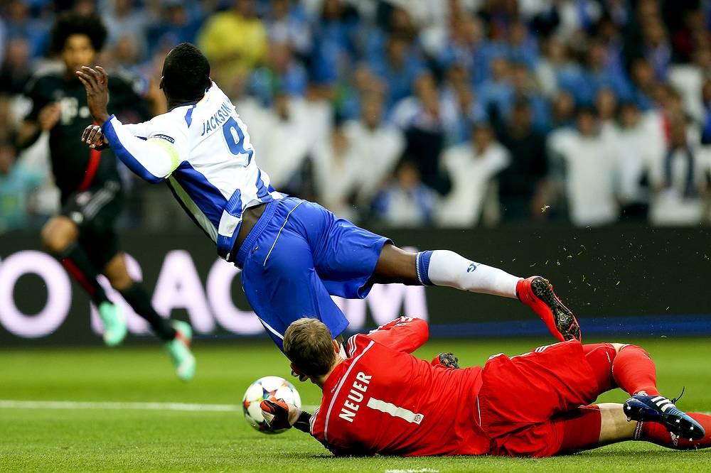 На второй минуте матча в ворота мюнхенцев за фол на Джексоне Мартинесе был назначен пенальти, который реализовал Рикарду Куарежма. Он же спустя восемь минут удвоил преимущество португальской команды