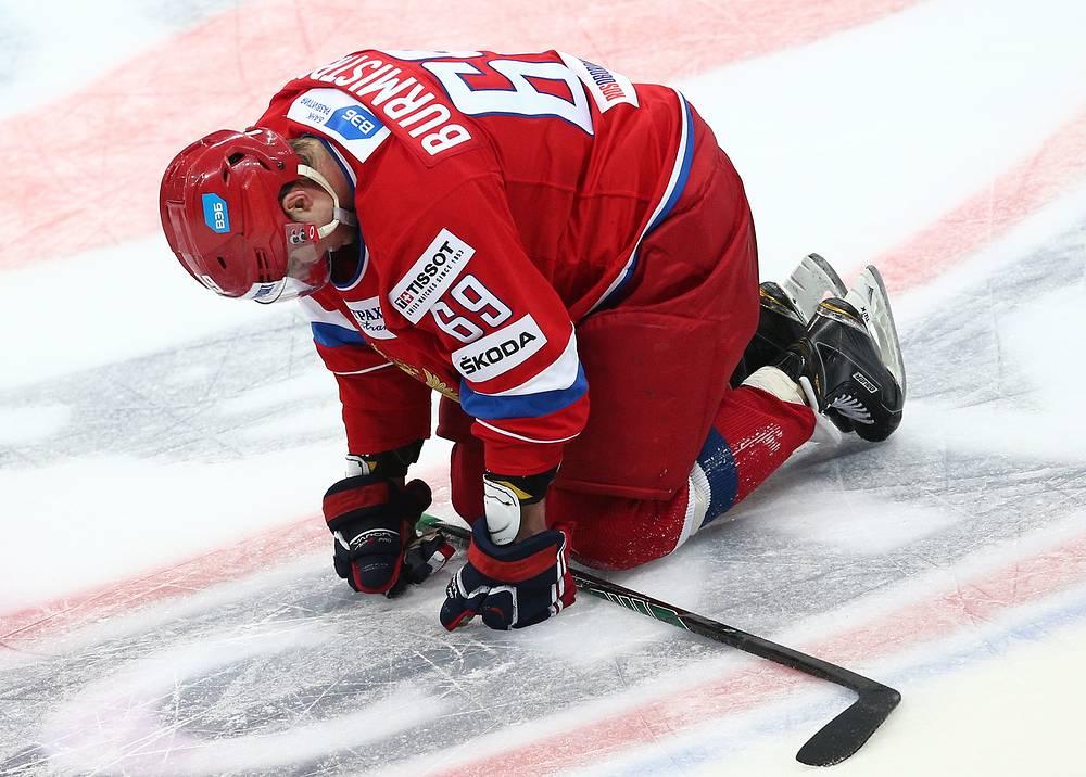 Вратарь сборной России Антон Худобин