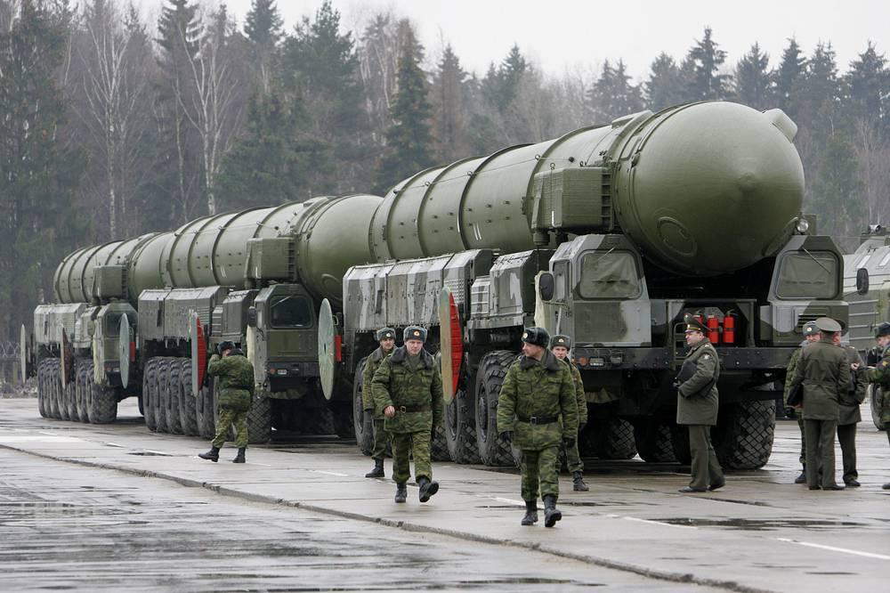 """Госпрограмма вооружения до 2020 г. предполагает поставку в войска до 200 ракетных комплексов """"Тополь-М"""" и """"Ярс"""""""