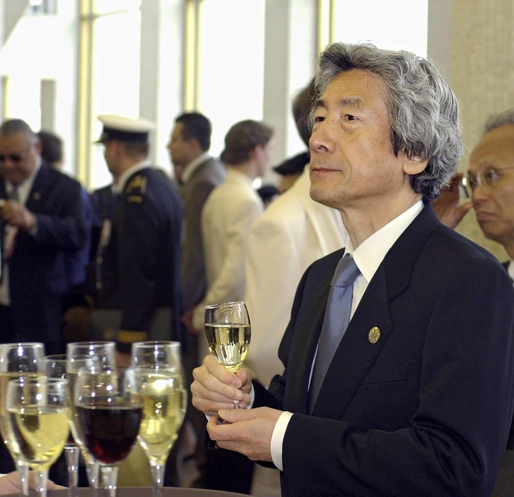 Премьер-министр Японии Дзюинтиро Коидзуми во время приема в Государственном Кремлевском дворце, 2005 год