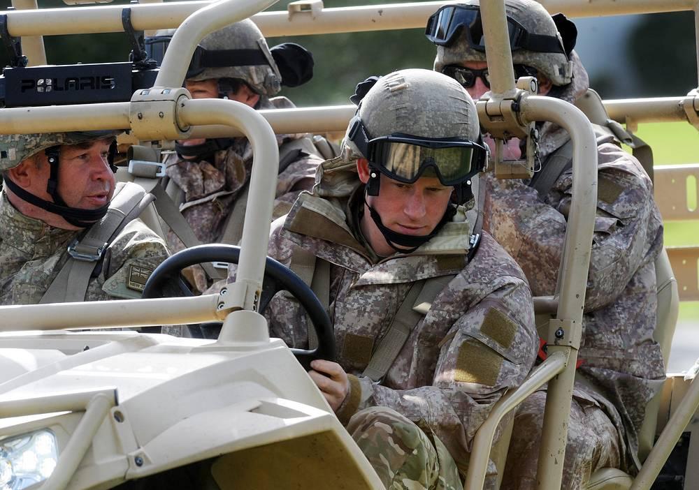 Принц Гарри на военной базе в городе Палмерстон-Норт