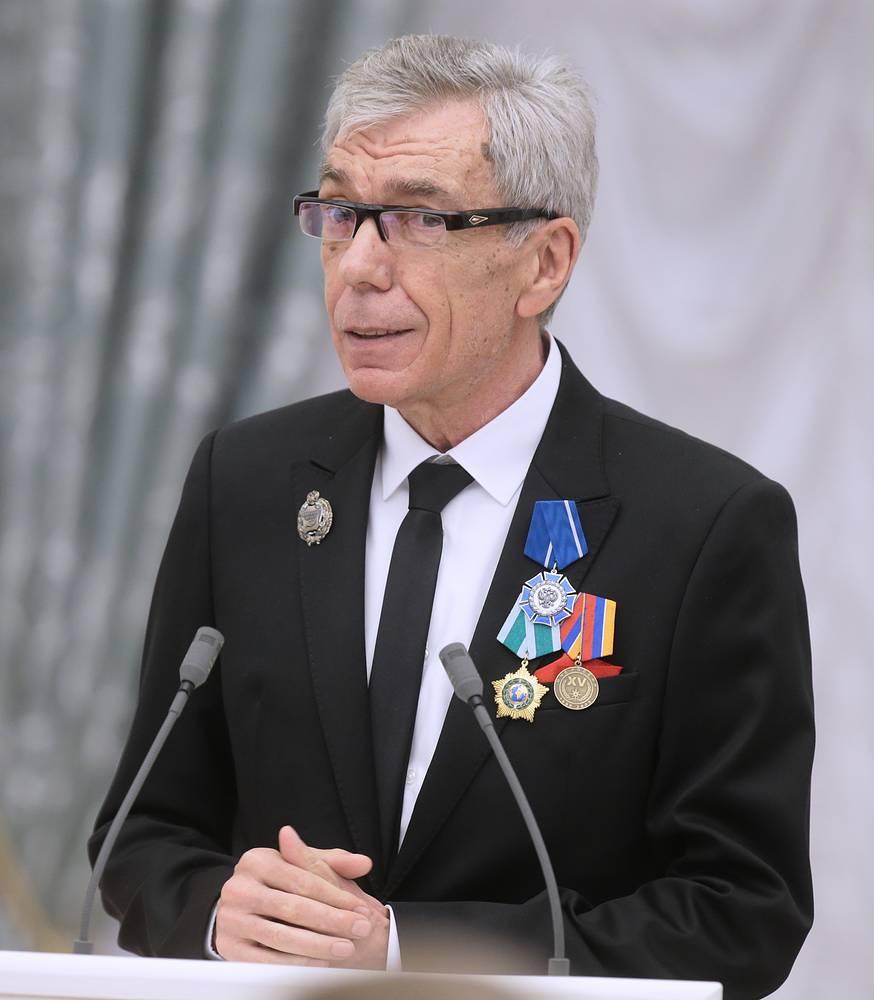 Телеведущий Юрий Николаев, награжденный орденом Почета