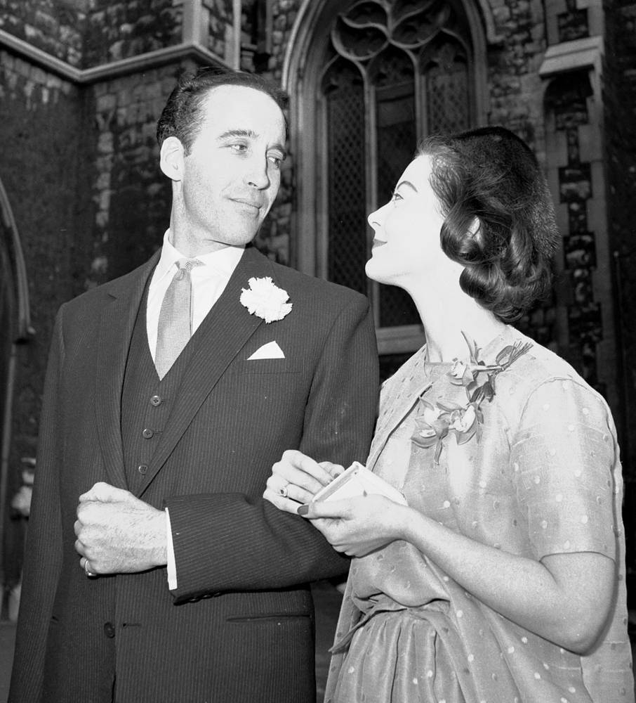 В 1961 году Кристофер Ли женился на датской писательнице и художнице Биргит Крёнке, с которой они прожили в браке до его смерти, почти 55 лет