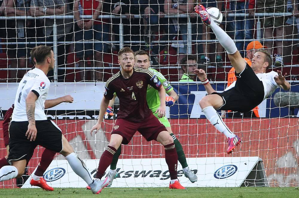 Единственный мяч во встрече был забит на 33-й минуте. Марк Янко ударом через себя отправил мяч в ворота Игоря Акинфеева