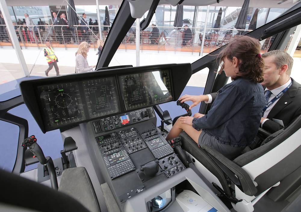 Кабина вертолета H160 от Airbus