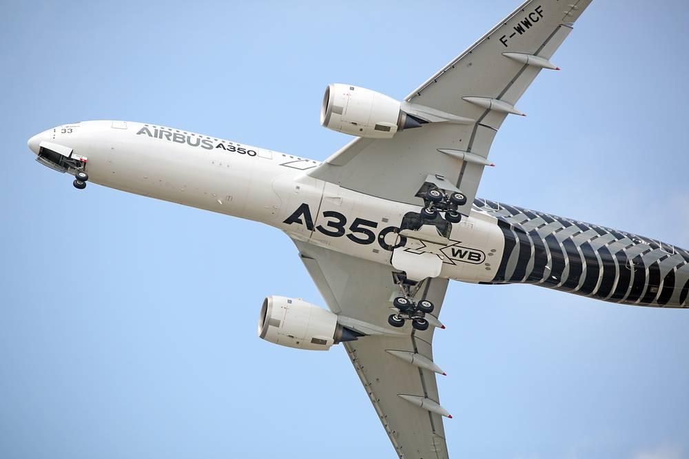 Самолет Airbus A350