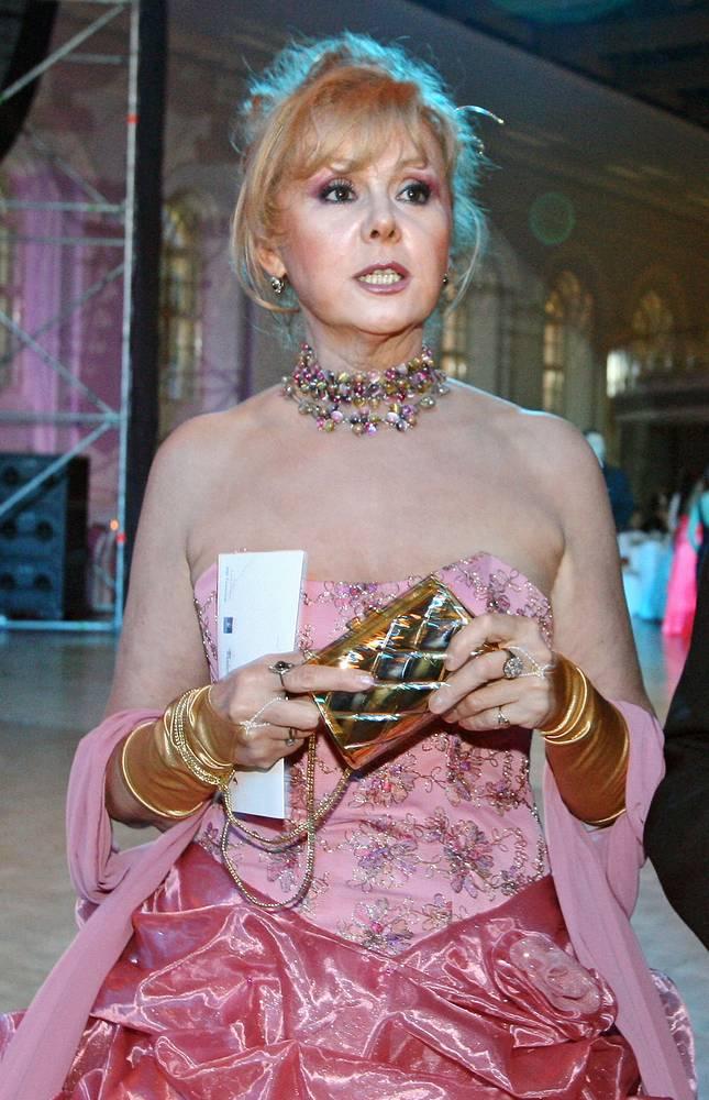 Наталья Селезнева во время Венского бала в здании Манежа, 2006 год
