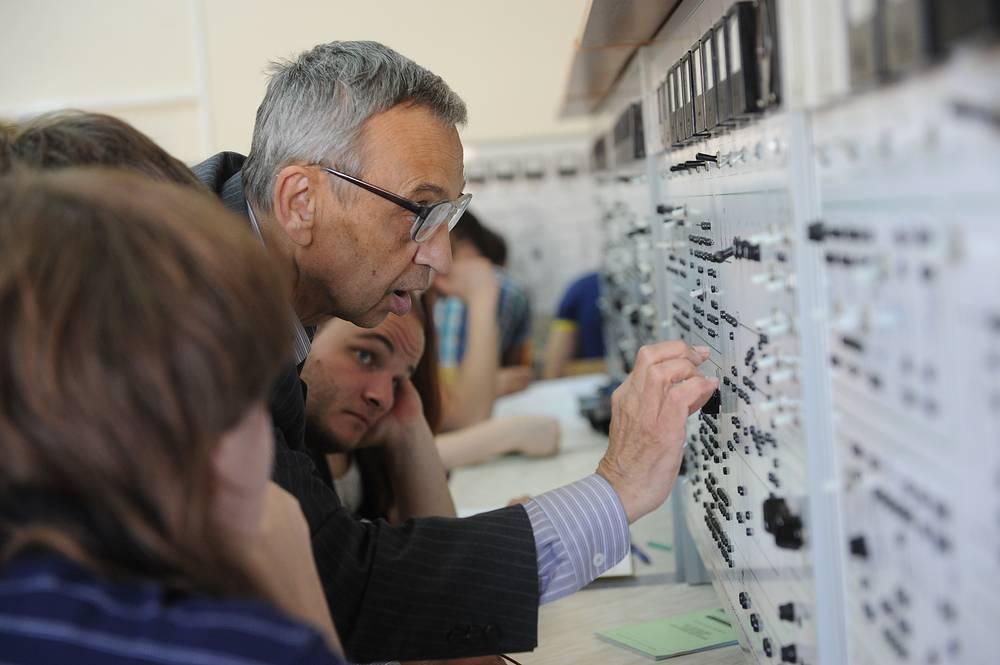 За время существования университета в нём подготовлено свыше 200 тыс. инженеров
