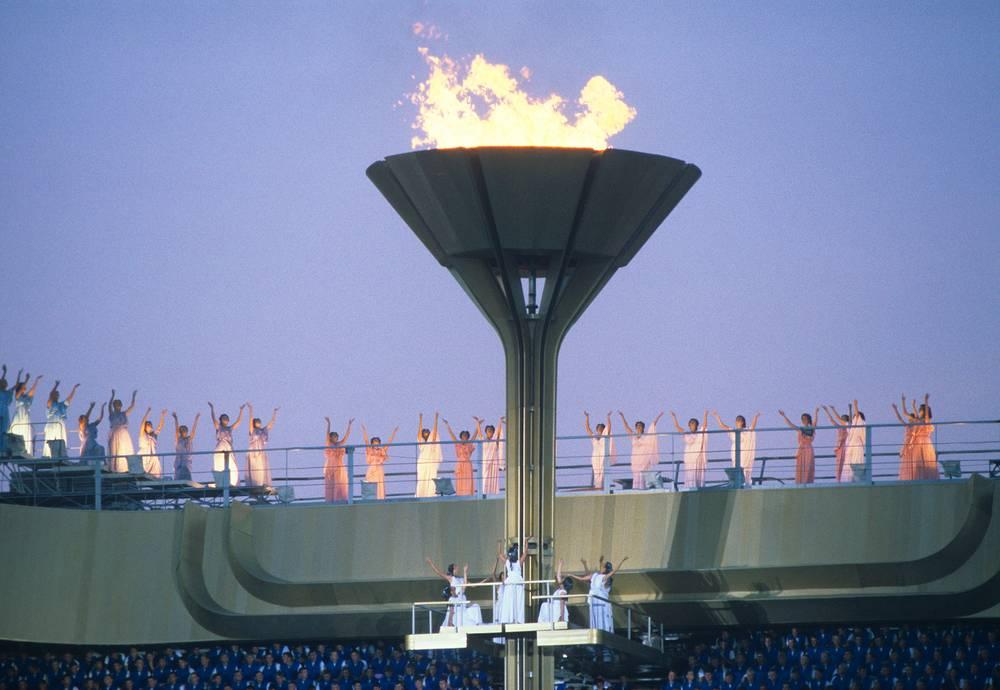 В соревнованиях приняли участие 5 тыс. 179 спортсменов. На фото: закрытие Олимпийских игр