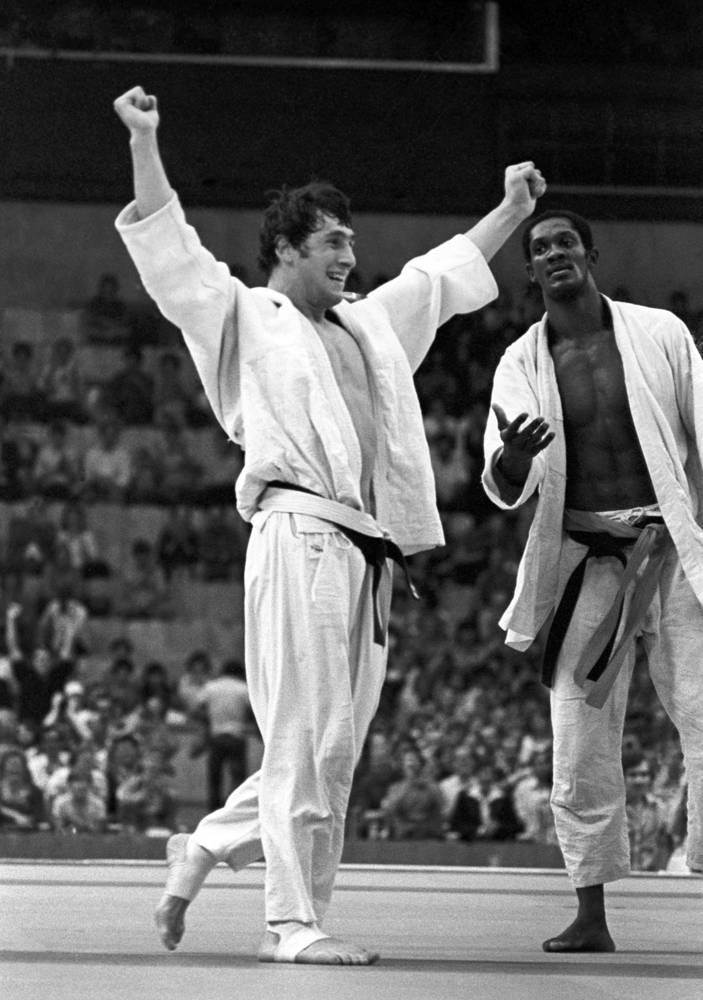 Чемпион Олимпиады по дзюдо в весовой категории до 78 кг Шота Хабарели (СССР), Дворец спорта в Лужниках