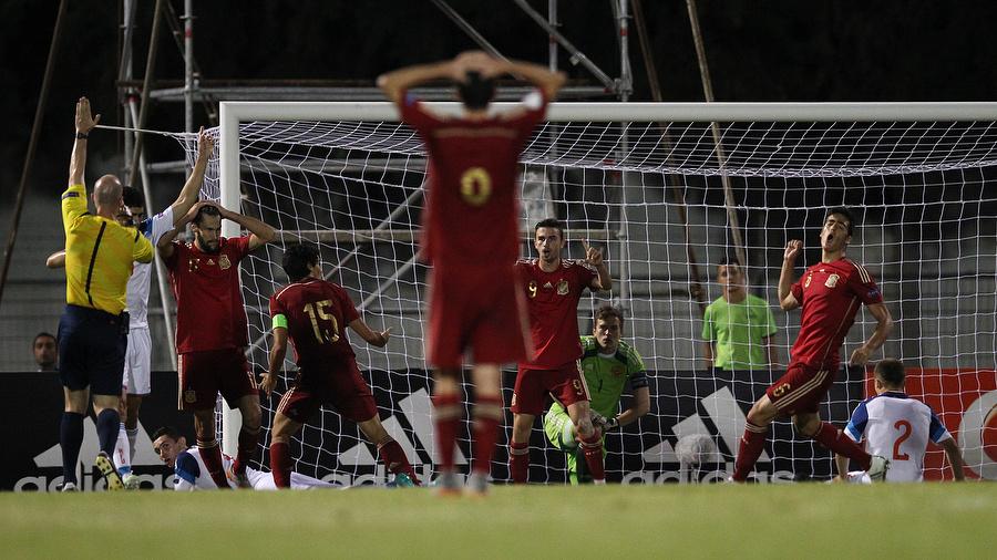 Реакция испанских футболистов на отмененное взятие российских ворот