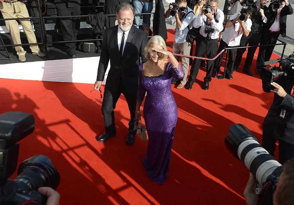 Хелен Миррен с мужем режиссером Тэйлором Хэкфордом на кинофестивале в Карловых Варах, 2012 год