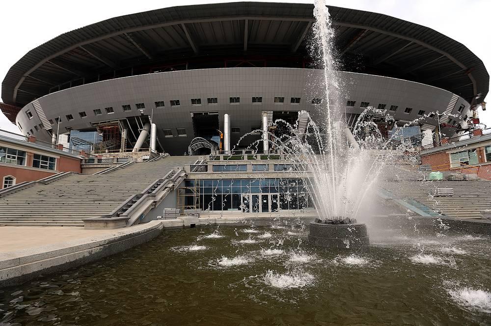 Санкт-Петербург. Вместимость стадиона - 68 тыс. зрителей. Название арены будет определено в мае 2016 года, заявил губернатор Георгий Полтавченко
