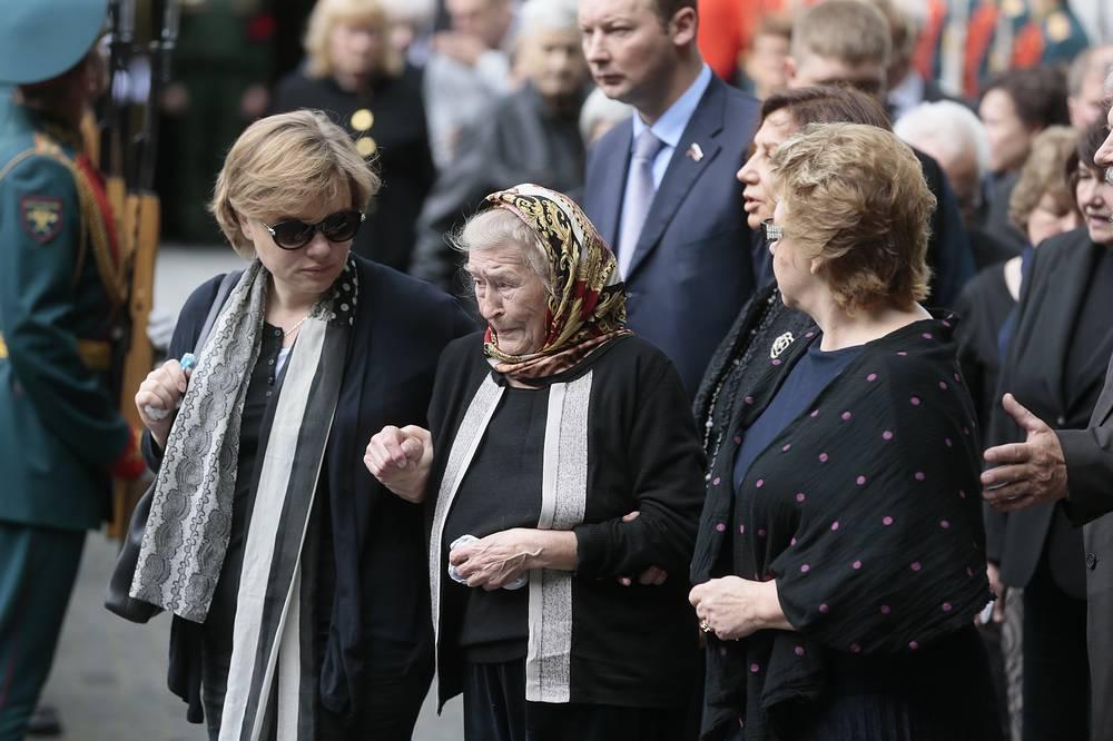 Дочь Геннадия Селезнева Татьяна, мать Геннадия Селезнева Вера Фокина и вдова Геннадия Селезнева Ирина