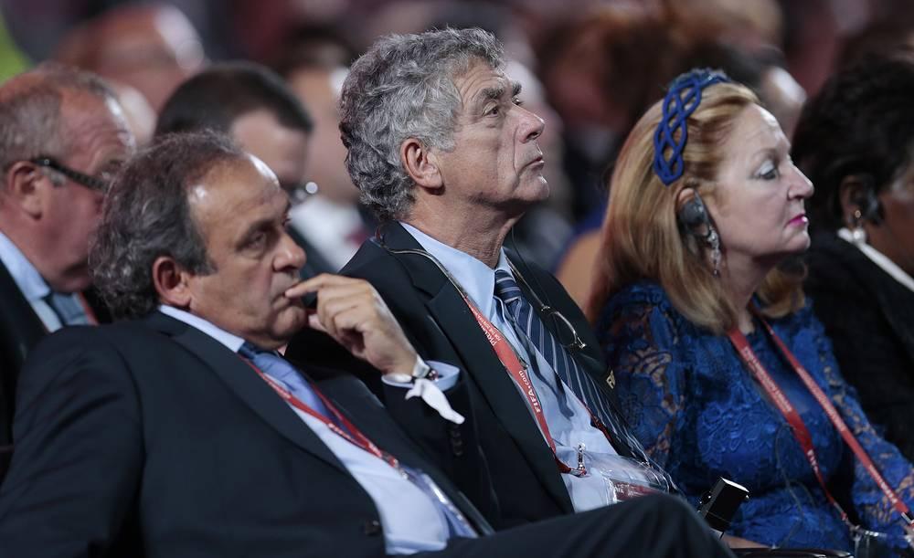 Президент УЕФА Мишель Платини и вице-президент ФИФА Анхель Мария Вильяр Льона