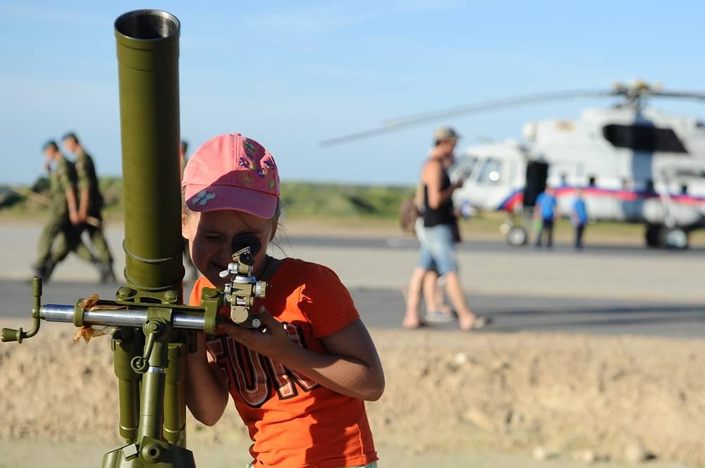 "Миномет 2Б14 ""Поднос"" калибра 82-мм"