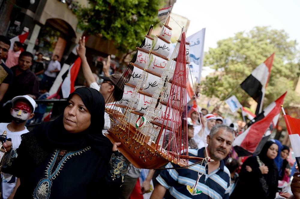 Праздничные мероприятия на площади Тахрир в Каире
