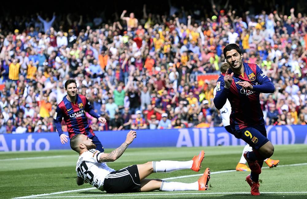 """В предыдущем сезоне в составе """"Барселоны"""" уругвайский форвард выходил на поле в 44 играх, забив 25 мячей"""