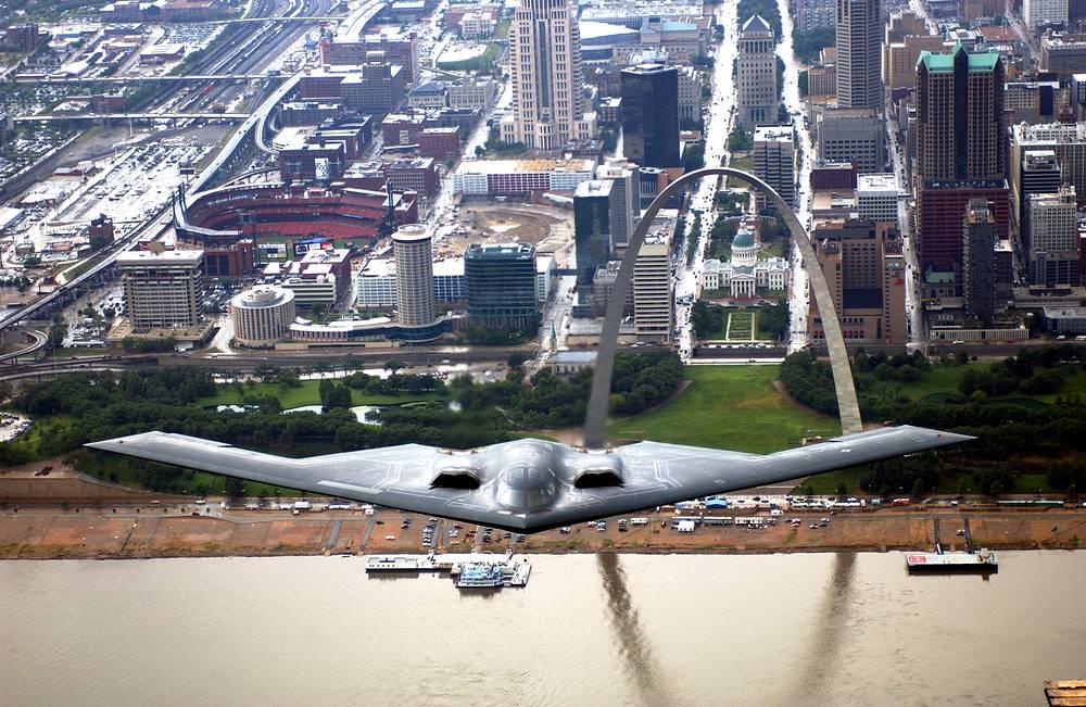Стратегический бомбардировщик B-2