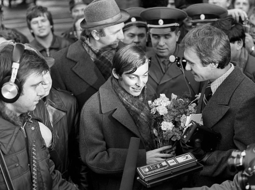 Во время интервью с чемпионом мира по шахматам Анатолием Карповым, 26 октября 1978 года