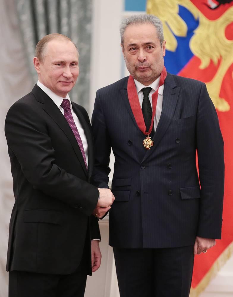 Президент России Владимир Путин и художественный руководитель Александринского театра Валерий Фокин, 10 марта