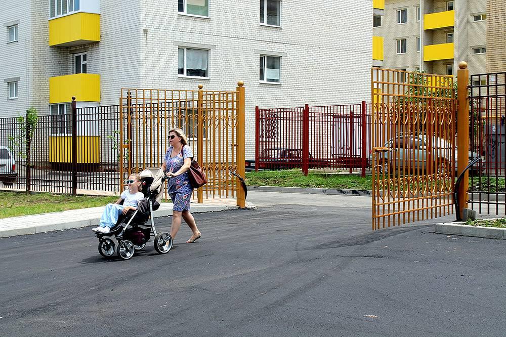 К 1 сентября все российские школы должны создать условия для обучения детей-инвалидов