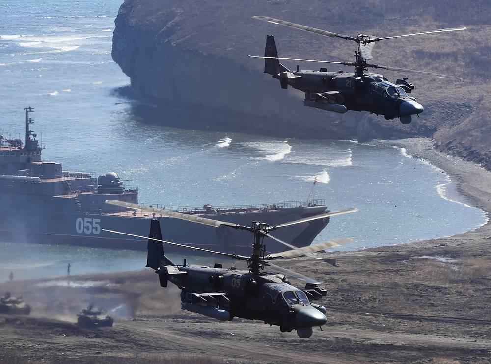 """Многоцелевые всепогодные вертолеты Ка-52 """"Аллигатор"""""""