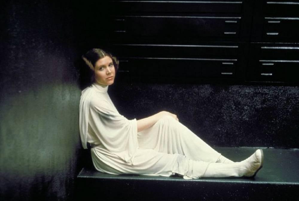 """Кэрри Фишер запомнилась больше всего по роли принцессы Леи в саге """"Звездные войны"""""""