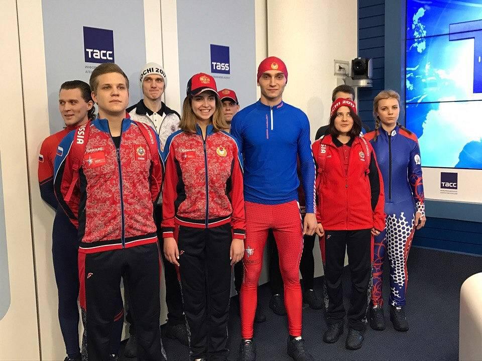 В столице представили фирменные спортивные костюмы для сборнойВС РФ