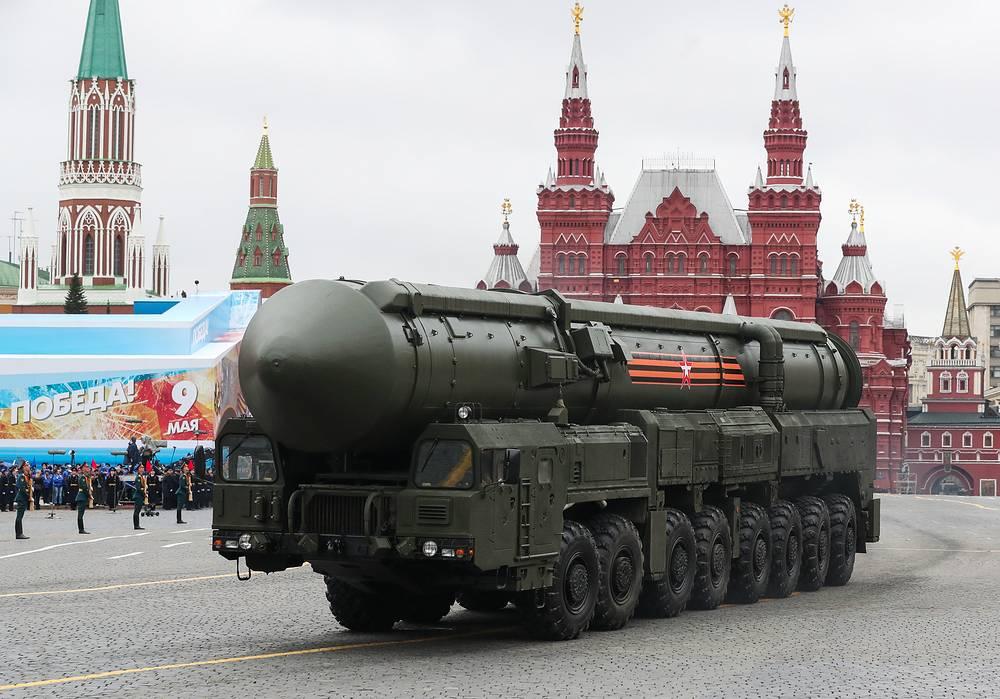 """Подвижный грунтовый ракетный комплекс (ПГРК) с межконтинентальной баллистической ракетой РС-24 """"Ярс"""""""